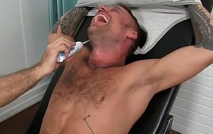 Tattooed hunk Hoytt Walker receives circumscribe coupled with endures a tickling