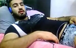 IRAQUI - VUELVE EL SEXY FORTACHON CON EYACULACION PRECOZ Y ME DA SU CULITO