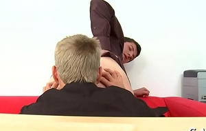 Free lad limp-wristed porn