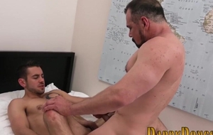 Enticing lad gratifying his gay daddy in moulding