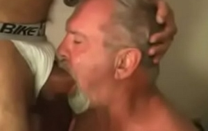 Abuelo follado por abb' musculoso